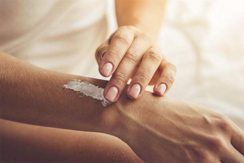 Thuốc bôi đông y có tác dụng cải thiện các triệu chứng ngoài da hiệu quả và an toàn