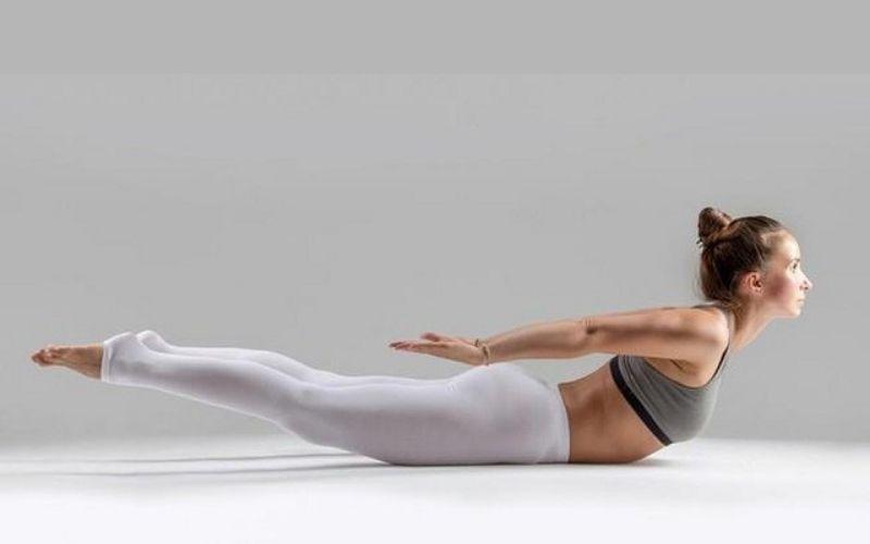Tư thế con châu chấu trong tập yoga