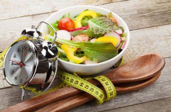 Ăn uống đúng giờ để dạ dày đảm bảo hoạt động ổn định nhất
