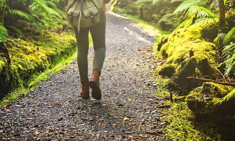 Viêm khớp có nên đi bộ không?