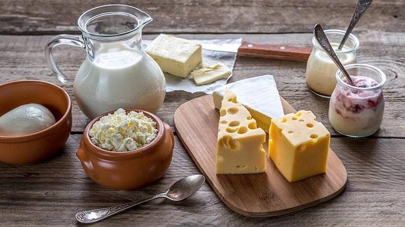 Viêm khớp gối nên ăn các thực phẩm từ sữa