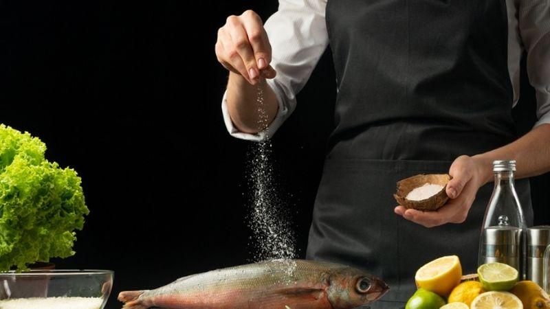 Muối xuất hiện nhiều trong quá trình chế biến thực phẩm