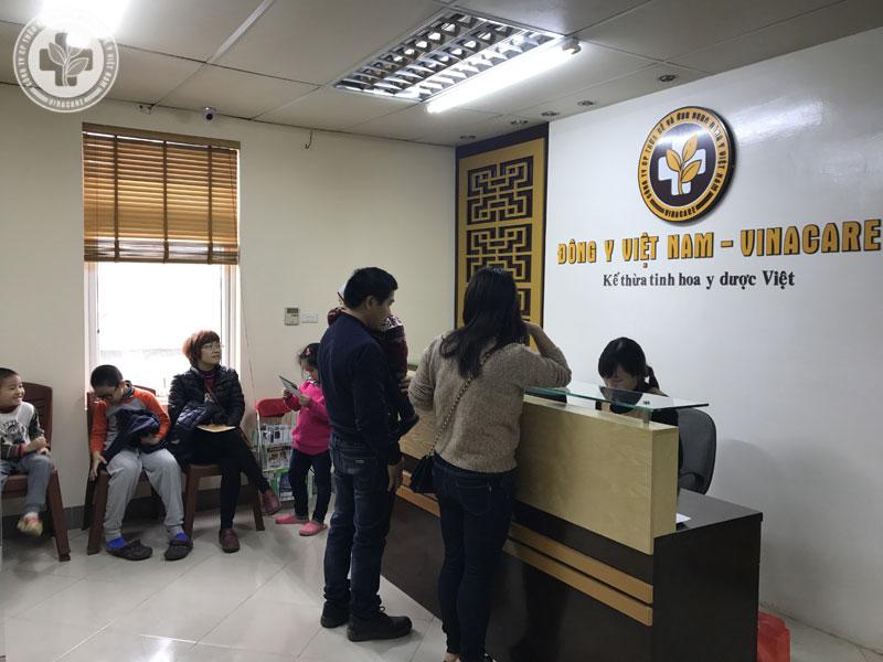 Nhiều bệnh nhân tìm tới trung tâm Thừa kế và Ứng dụng Đông y Việt Nam