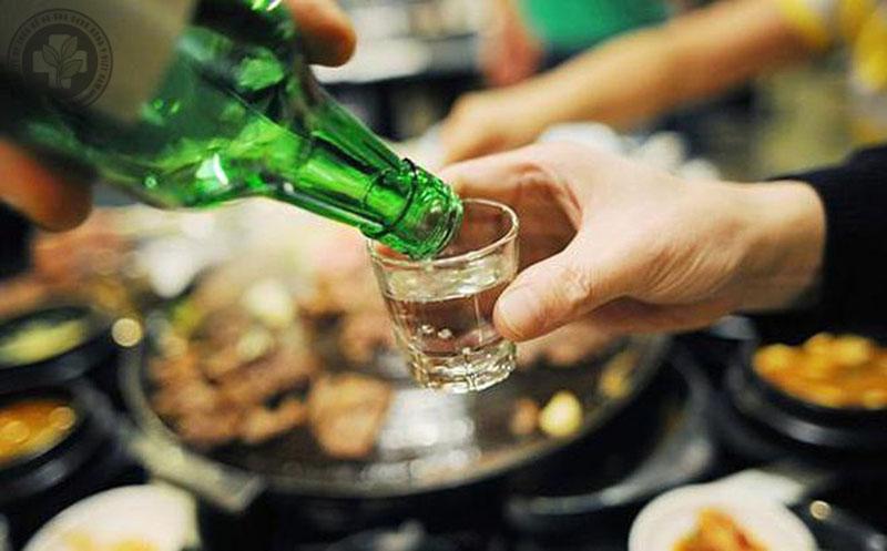 Uống nhiều rượu bia có hại cho hệ tiêu hóa