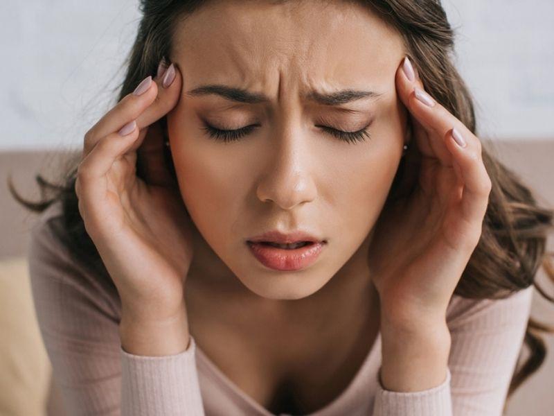 Viêm xoang đau đầu tiềm ẩn nhiều nguy hiểm