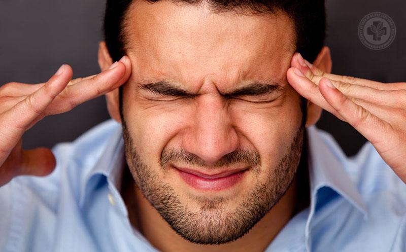 Viêm xoang nhức đầu là triệu chứng rất phổ biến khi bị viêm xoang