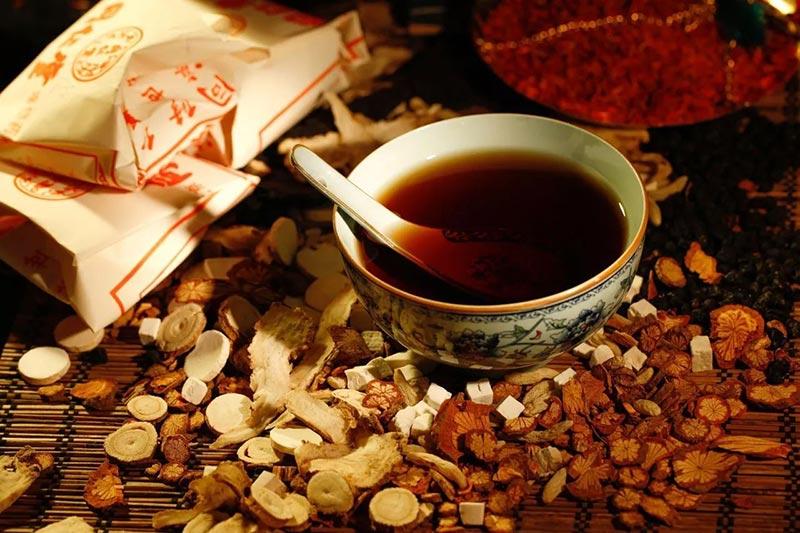 Sắc thuốc đúng cách ảnh hưởng đến chất lượng thuốc Đông y