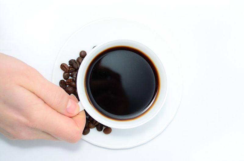 Uống cà phê là mẹo giải rượu nhanh nhưng mang lại hiệu quả cao
