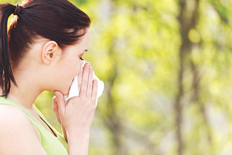 Trường hợp bị viêm mũi dị ứng do nấm mốc, lông động vật, mỹ phẩm... dễ điều trị hơn so với mạt bụi, khói bụi