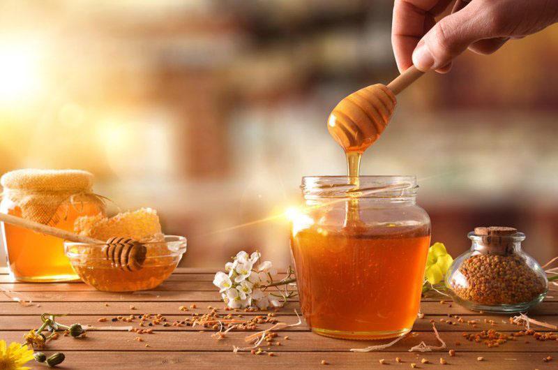 Mật ong thường xuyên được sử dụng hỗ trợ điều trị viêm họng
