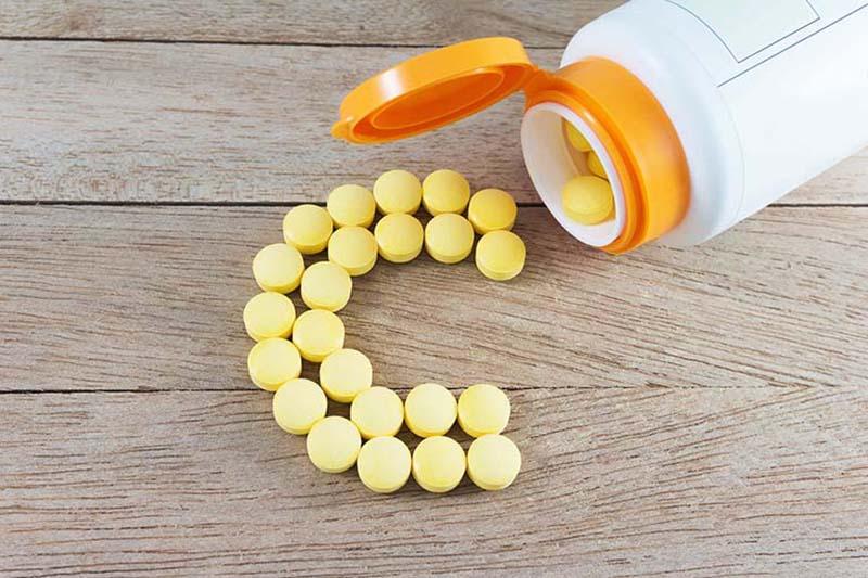 Vitamin C thường được để nâng cao sức đề kháng và phòng ngừa thâm sẹo