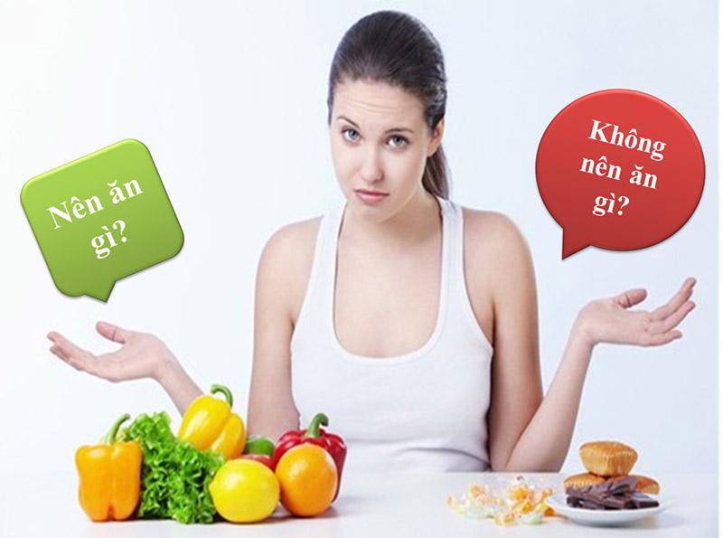 Người bị dị ứng mỹ phẩm nên tăng cường rau xanh và hạn chế đồ ngọt
