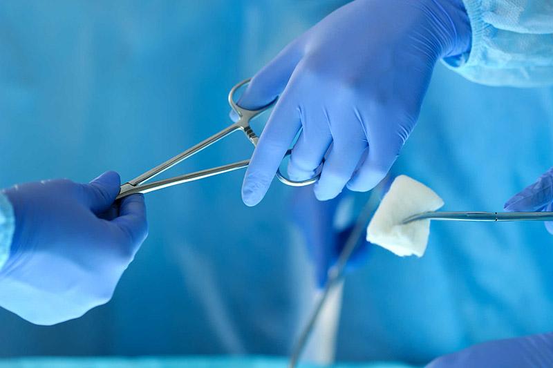Phẫu thuật cắt amidan tiềm ẩn những rủi ro nguy hiểm