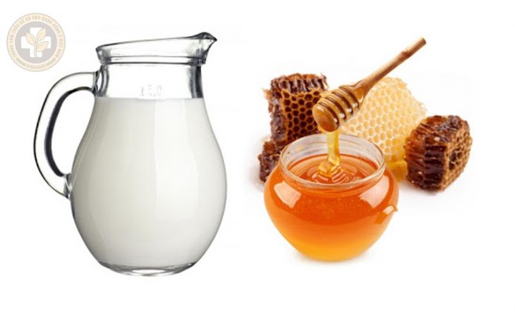 Mật ong với sữa tươi