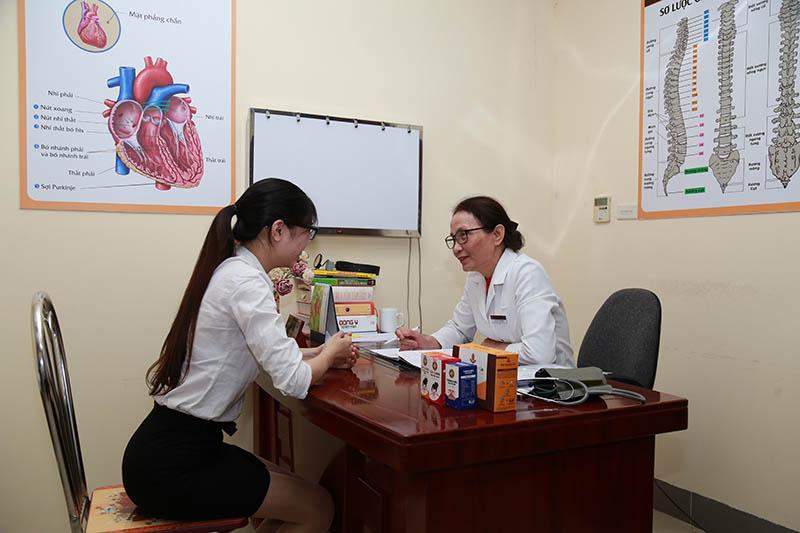 Thầy thuốc Ưu tú Lê Phương - chuyên gia có hơn 40 năm trong điều trị bệnh TMH