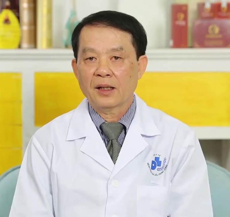 Bác sĩ Nguyễn Duy Hưng chữa vảy nến hàng đầu