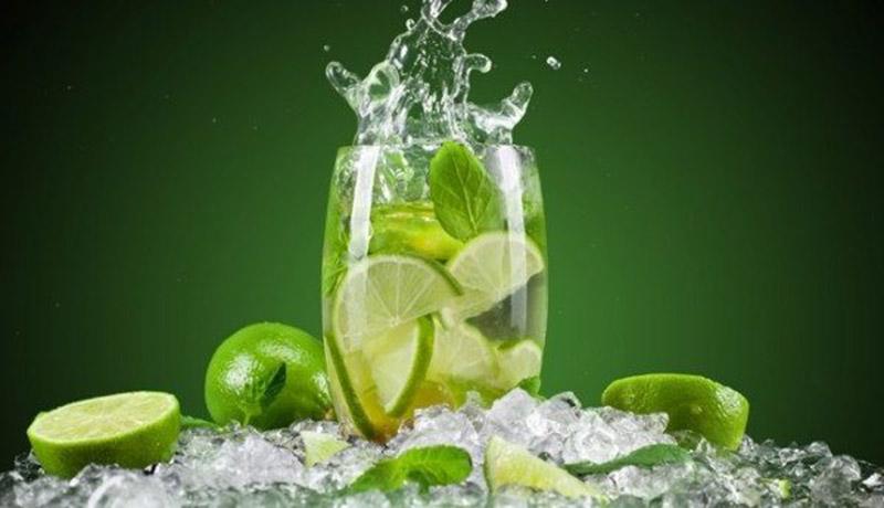 Uống nước chanh thường xuyên giúp thanh lọc cơ thể, cải thiện triệu chứng á sừng