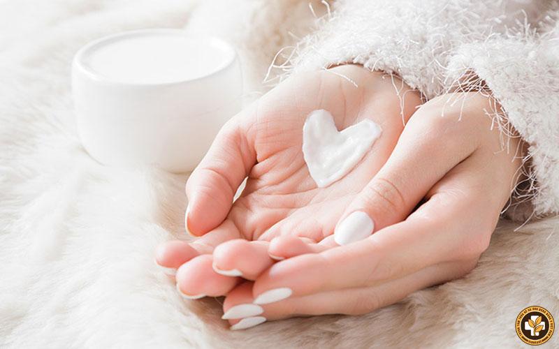 Dưỡng ẩm da hằng ngày giúp cải thiện triệu chứng tổ đỉa