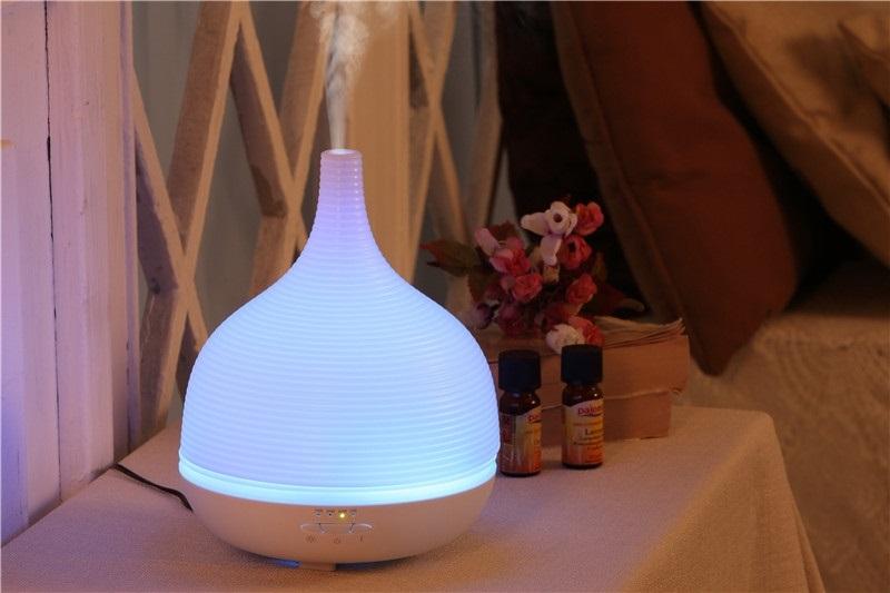 Nên xông hơi phòng ngủ bằng tinh dầu để giúp tiêu diệt vi khuẩn gây bệnh