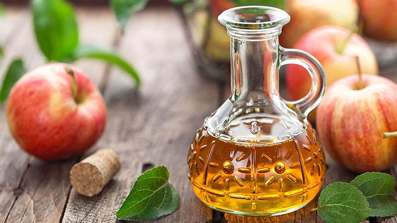 Giấm táo có nhiều axit tốt cho việc cỉa thiện triệu chứng bệnh vảy nến