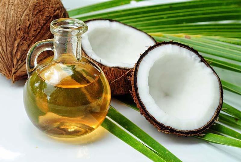 Dầu dừa có nhiều công dụng trong làm đẹp và chữa bệnh vảy nến