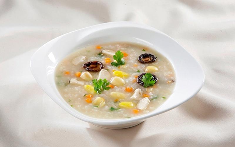 Cháo chính là món ăn giúp người bệnh phục hồi năng lượng, không gây kích ứng họng