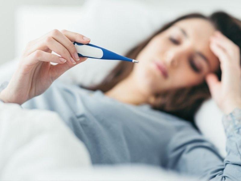 Sau khi mổ amidan, hầu hết người bệnh đều bị sốt nhẹ dưới 38 độ C