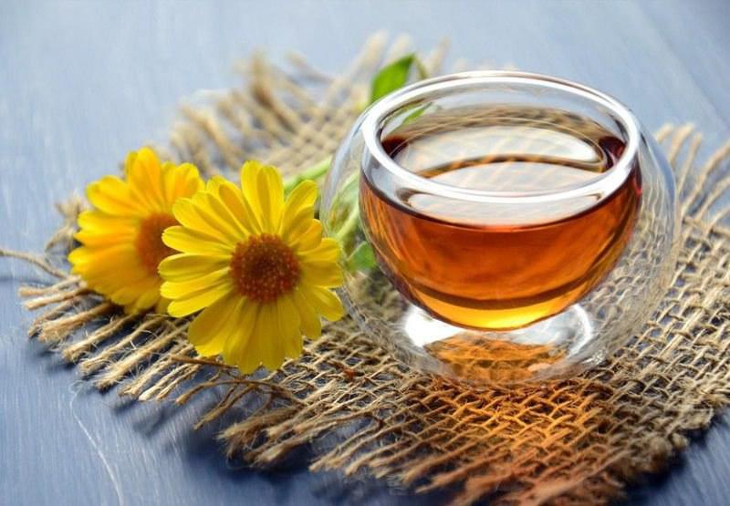 Đau họng uống gì? Trà hoa cúc La Mã rất tốt cho việc điều trị viêm đau họng