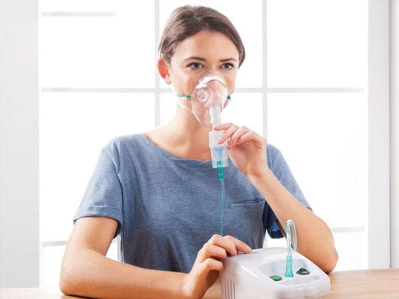 Bên cạnh thuốc điều trị người bệnh có thể dùng khí dung
