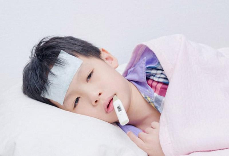 Sốt viêm họng ở trẻ em
