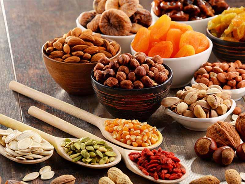 Các loại hạt lanh, hạt óc chó, hạt hạnh nhân rất giàu Omega-3
