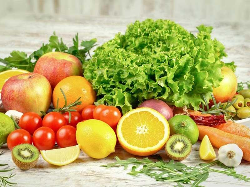 Người bệnh nên ăn nhiều rau và hoa quả