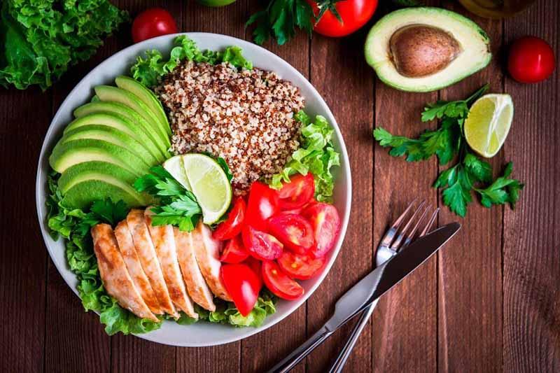Người bệnh nên bổ sung nhiều rau xanh và hoa quả