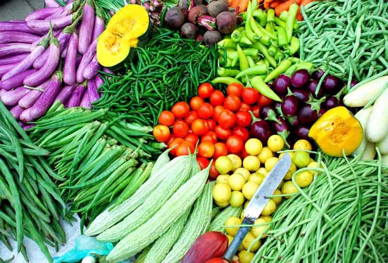Rau xanh, củ và trái cây tươi có nhiều lợi ích sức khỏe cho người người bệnh