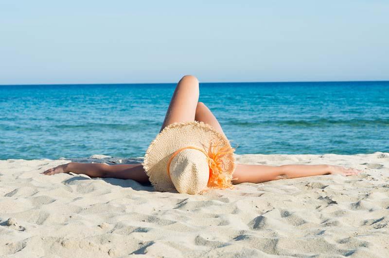 Không tiếp xúc trực tiếp với ánh nắng mặt trời mà không có biện pháp bảo vệ da