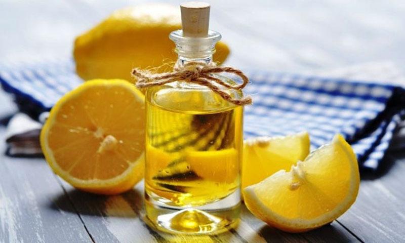 Dùng chanh và oliu trị dị ứng da
