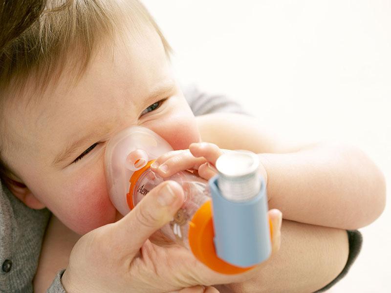 Trẻ bị hen phế quản chỉ nên dùng thuốc theo chỉ định và hướng dẫn của bác sĩ điều trị