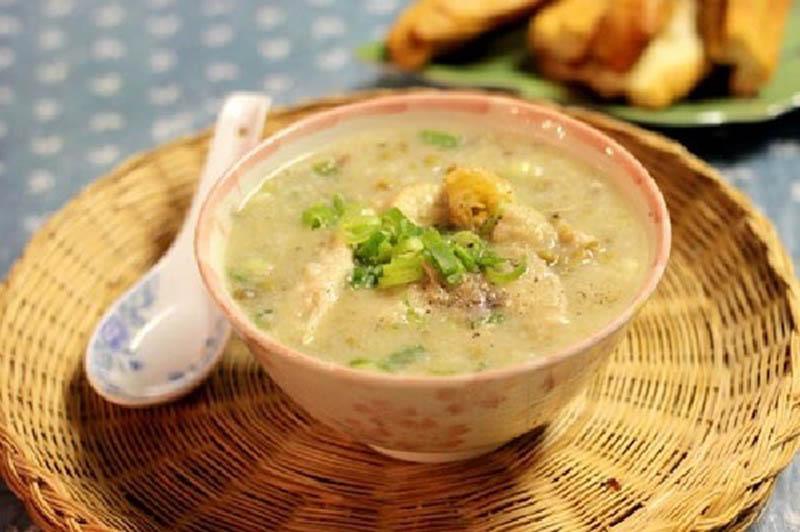 Món cháo thịt bò đậu xanh dễ làm, phù hợp với người bị viêm amidan