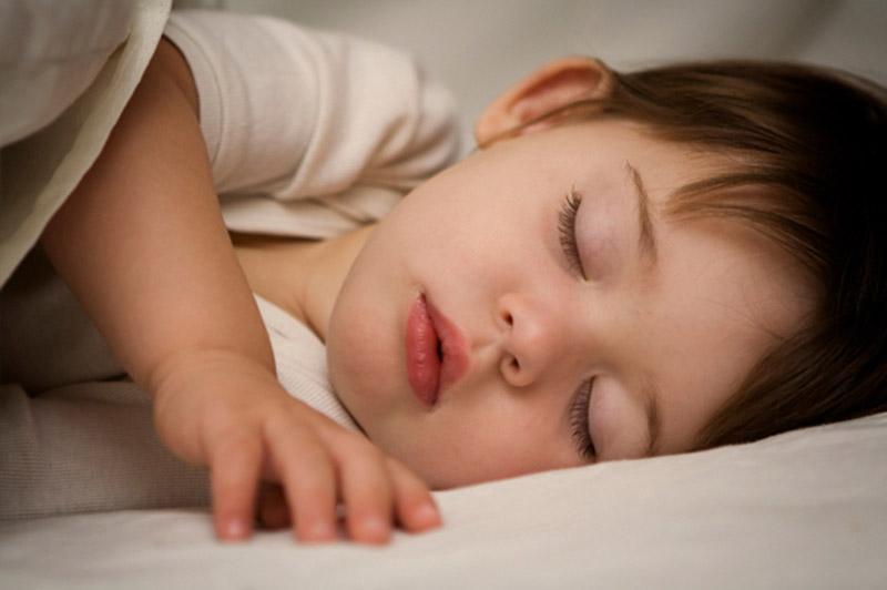 Biến chứng ngưng thở khi ngủ có thể khiến trẻ suy nhược theo thời gian