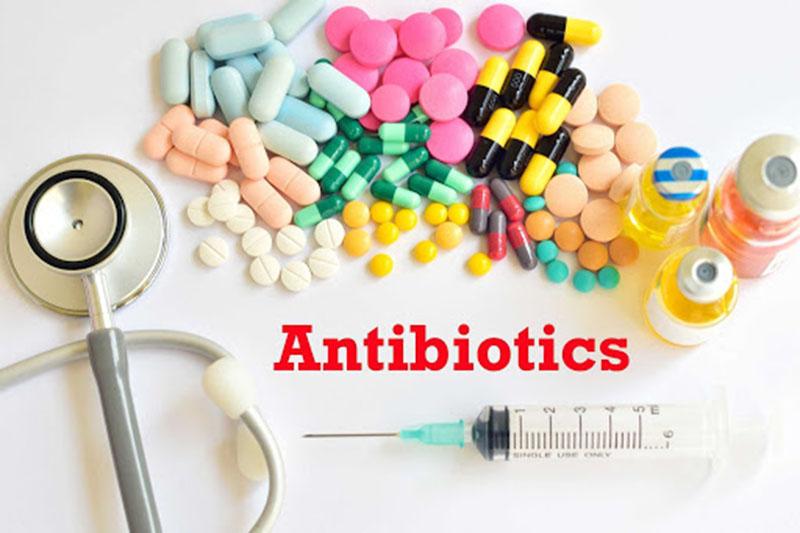 Sử dụng kháng sinh điều trị viêm họng hạt cần tuân thủ đúng liều và đủ thời gian