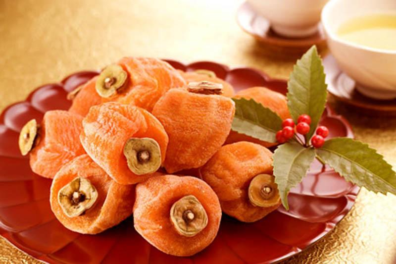 Không chỉ là một loại thực phẩm dinh dưỡng, hồng khô còn có tác dụng chữa bệnh viêm amidan rất tốt
