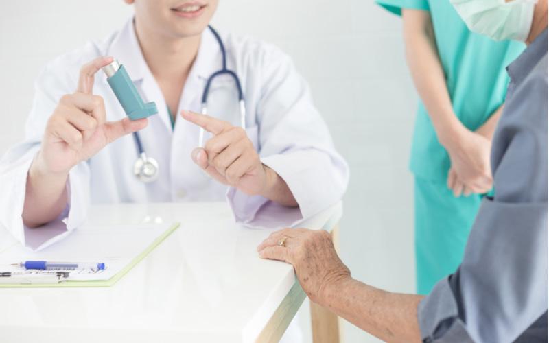 Tham khảo ý kiến bác sĩ trước khi sử dụng thuốc điều trị để tránh biến chứng