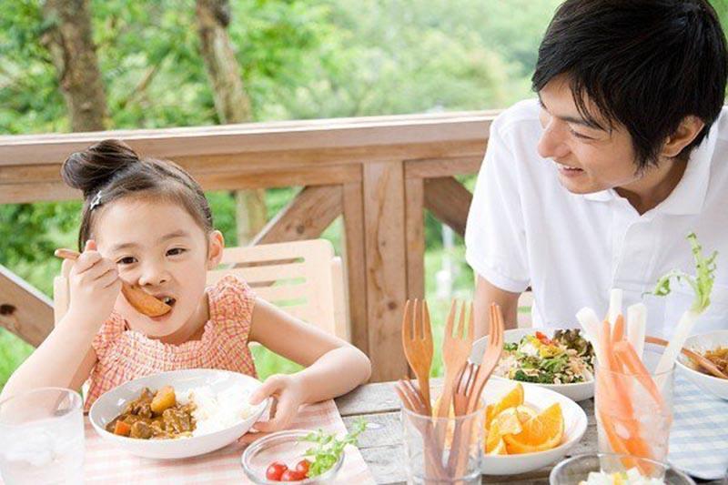 Dinh dưỡng là vẫn đề mẹ nên quan tâm khi điều trị và phòng bệnh viêm phế quản cho trẻ