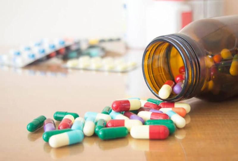 Kháng sinh tiềm ẩn nhiều rủi ro, cần sử dụng theo đúng hướng dẫn của bác sĩ