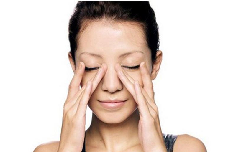 Massage xoang giúp cải thiện tình trạng nghẹt mũi, khó thở, giảm mất ngủ hiệu quả