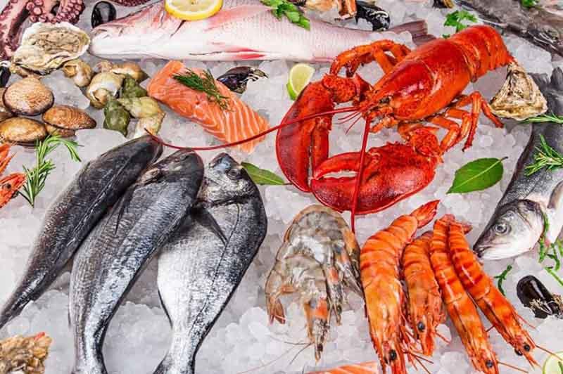 Hải sản và các thực phẩm giàu đạm khác có thể khiến bệnh mề đay trở nặng hơn