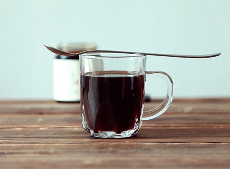 Uống nước lá khôi chữa bệnh đau dạ dày