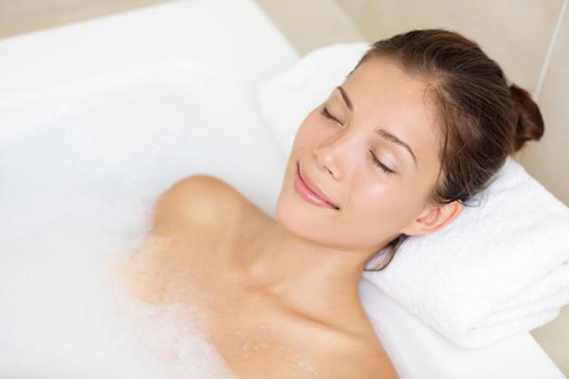 Ngâm tắm với dung dịch Anolyte pha loãng có thể cải thiện một số triệu chứng bệnh viêm da cơ địa