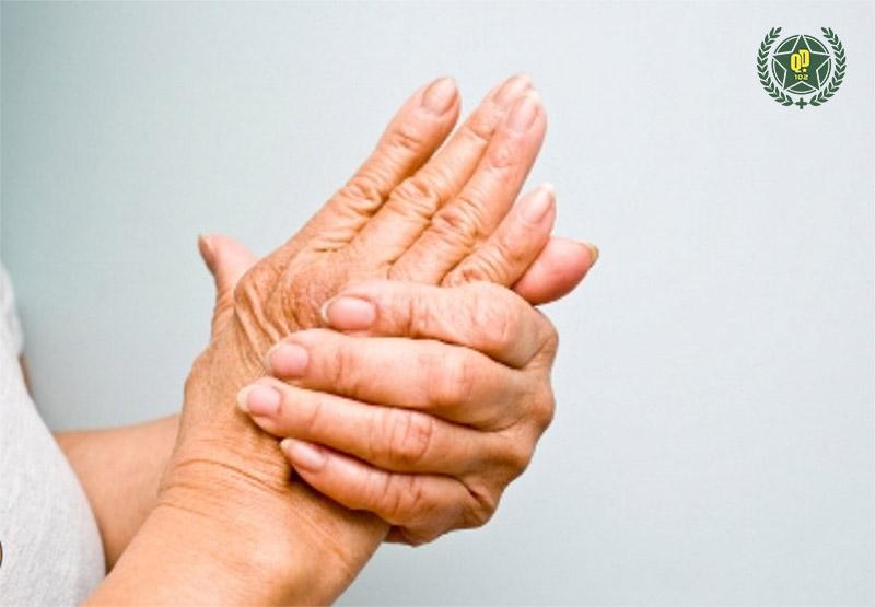 Thoát vị đĩa đệm gây nhiều triệu chứng đau nhức, khó chịu