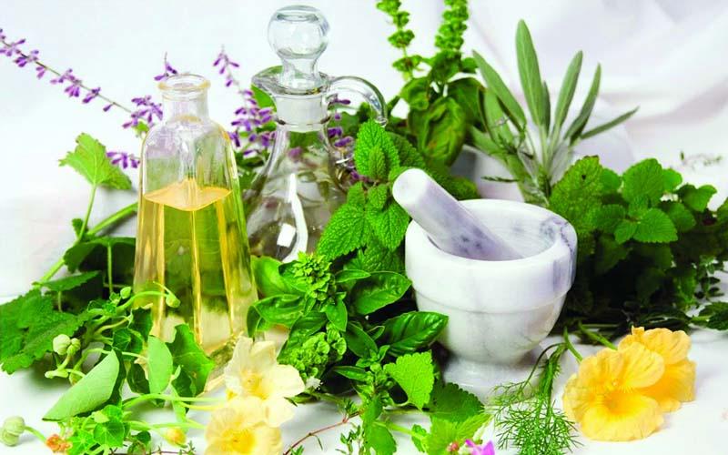 Sử dụng tinh dầu để xông hơi khá đơn giản và cho hiệu quả cao